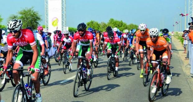 فريق الدراجات الهوائية التابع للجيش السلطاني العماني يشارك في بطولة طواف الشارقة الدولي الخامس