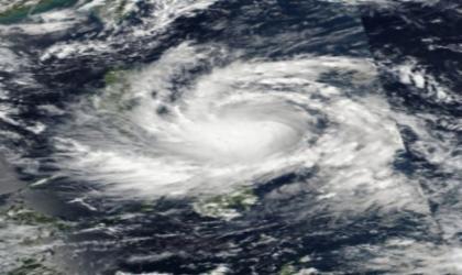 """الإعصار """"ساريكا"""" يجبر الآلاف على النزوح في الفلبين"""