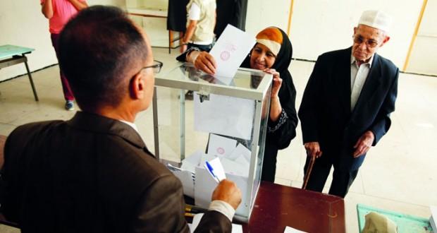 المغاربة يختارون نوابهم و(العدالة والتنمية) الأقرب للاحتفاظ بالسلطة