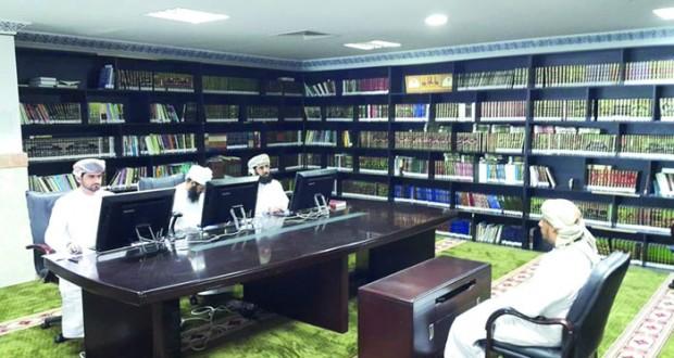 لجنة التصفيات الأولية لمسابقة السلطان قابوس الـ(26) للقرآن الكريم تزور مركز جعلان