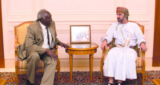 رئيس مجلس الشورى يستقبل الأمين العام لدار الوثائق القومية بالسودان