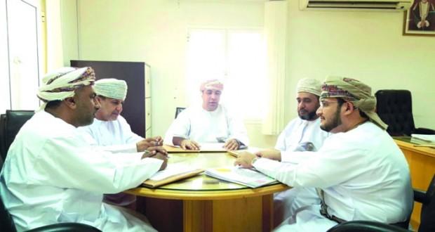 الاجتماع الأول للجنة الانتخابية لأعضاء المجلس البلدي بالقابل