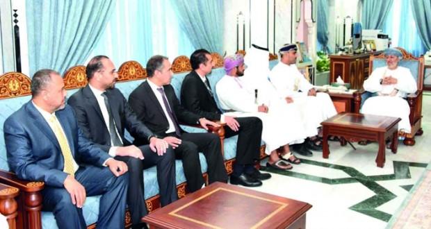 وزير الدولة ومحافظ ظفار يستقبل الوفود العربية المشاركة في مؤتمر الاستشراف والتخطيط للأبداع والتميز