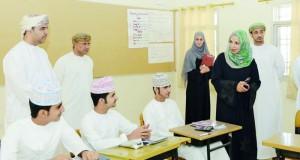 وزيرة التربية والتعليم تزور مدارس جنوب الشرقية