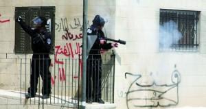المتطرفون يجددون استباحة الأقصى والاحتلال يقتحم أحياء سلوان ويفتح النار بالعيسوية