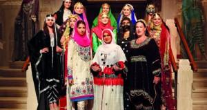 أنيسة الزدجالية تعرض الأزياء العمانية بدار الأوبرا السلطانية مسقط