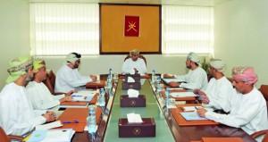 اللجنة الرئيسية المنظمة لمعرض مسقط الدولي للكتاب تعقد اجتماعها المعرض يقام للمرة الأولى في مركز عمان للمؤتمرات والمعارض