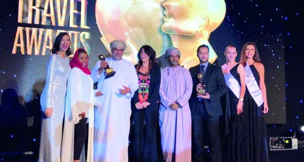 الطيران العُماني يحصد جائزتين ضمن جوائز السفر العالمية للشرق الأوسط 2016