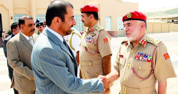قائد الجيش السلطاني العماني يتوجه إلى جمهورية الهند
