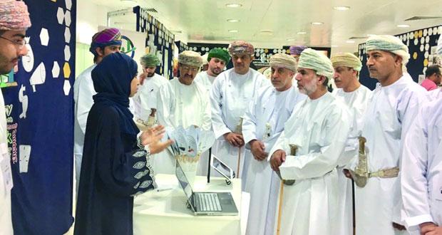 ملتقى سوق مسقط يستعرض أفكار الطلبة لتطوير القطاع الاقتصادي بالسلطنة