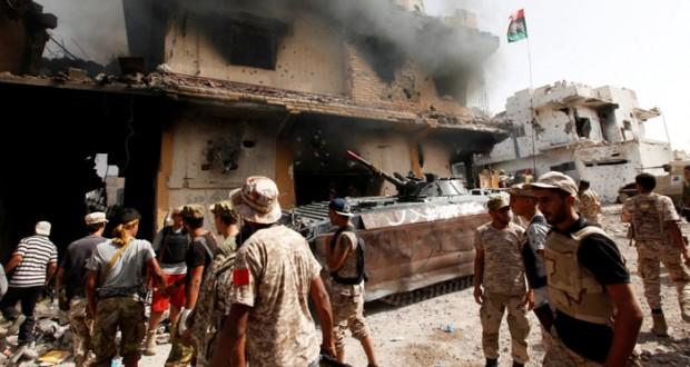 مقتل 12 جنديا ليبيا في اشتباكات مع (داعش) بسرت
