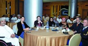 عضوء إدارة الأدعاء العام بشناص : السلطنة لا تفرض قيودا على مواقع التواصل الإجتماعي ةالقانون يعاقب المسيئين