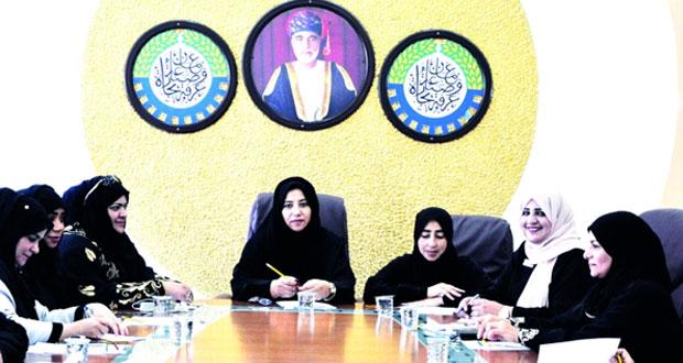 لجنة صاحبات الأعمال بغرفة الظاهرة تستعد للمشاركة في الاحتفال بيوم المرأة العمانية