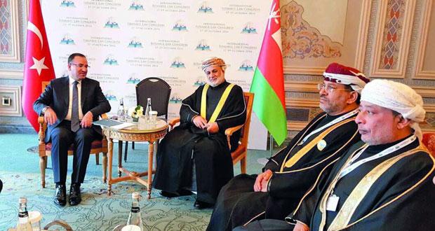 وزير العدل يلتقي نظيره التركي ويبحث معه تعزيز التعاون الثنائي