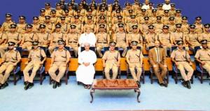 الشرطة تختتم ثلاث دورات تدريبية بمعهد الضباط