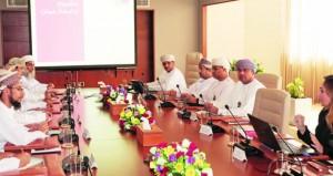 """جامعة عُمان يستضيف """" تربوية الشورى"""" لمناقشة خطط الجامعة والإنجازات التي تم تحقيقها"""