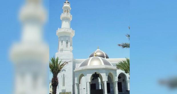 أكثر من 15 ألف جامع ومسجد ومصلى بمختلف محافظات السلطنة