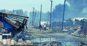 حرائق بمخيم كاليه مع استمرار عملية الإخلاء