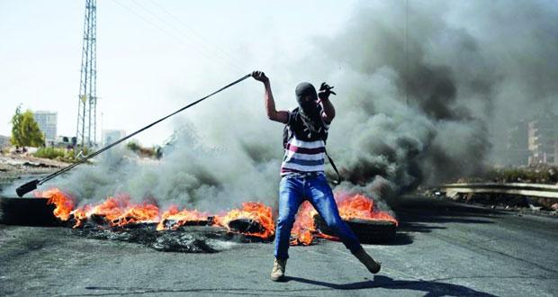 الاحتلال يفتح النار بمخيم الجلزون ويصعد اعتداءاته بالضفة