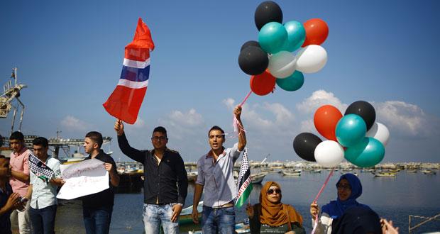 (زيتونة) تقترب من سواحل غزة وإسرائيل تهدد باعتراضها