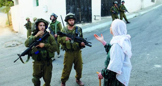 الاحتلال يفتح النار بغزة ويسرق بالخليل ويشن حملة اعتقال بالضفة