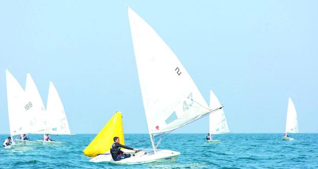 ارتفاع مستوى سباقات تحديد المستوى التي تنظمها عمان للإبحار في المصنعة