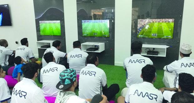 أواصر تستضيف بطولة الفيفا لألعاب الفيديو لرابطة مشجعي برشلونة وريال مدريد