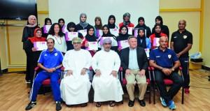 اتحاد الكرة يقيم أول دوري لكرة القدم للصالات للنساء الجابرية: نقلة نوعية ستشهدها كرة القدم النسائية العمانية