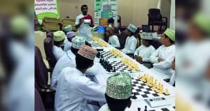 الهنائية والشبنوتي في صدارة مسابقة الشطرنج بعبري