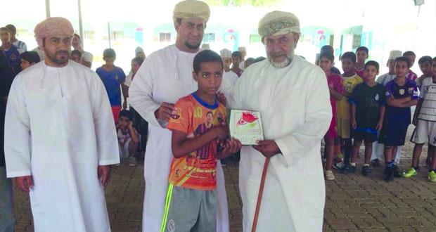 مدرسة عثمان بن مظعون للتعليم الأساسي بالرستاق تنظم سباقا للجري