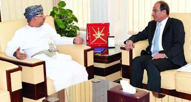 وزير الإعلام يستقبل مدير عام وكالة الأنباء الأردنية
