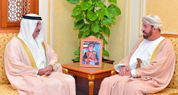 الوزير المسؤول عن شؤون الدفاع يتلقى رسالتين من محمد بن راشد ومحمد بن سلمان