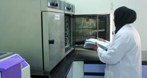 «البلديات الاقليمية» تقوم بتزويد المختبر المركزي بأجهزة حديثة للكشف عن المشاكل الغذائية والمائية
