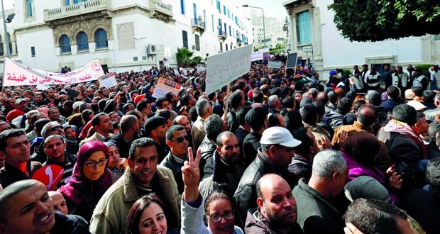 تونس تخطط لخفض معدل الباحثين عن العمل إلى 11 %