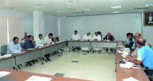 رئيس اتحاد الهوكى يلتقى مندوبى الجاليات الباكستانية والهندية والمدارس الأجنبية