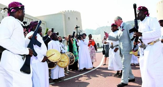 أمير ويلز وحرمه يشهدان عرضًا للفنون التقليدية العمانية ويزور المتحف الوطني بحضور هيثم بن طارق