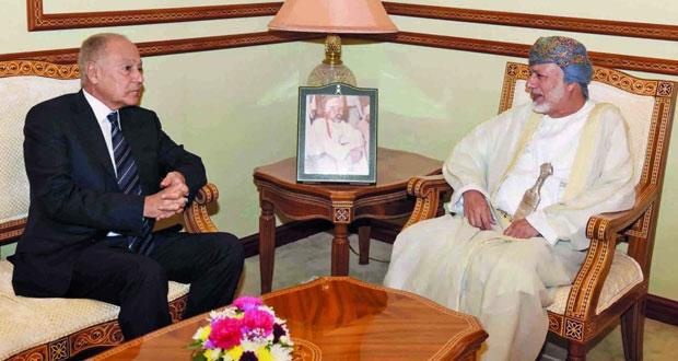 يوسف بن علوي يناقش مع أمين عام جامعة الدول العربية الأوضاع في المنطقة