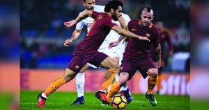 روما يقلص الفارق في غياب يوفنتوس ونابولي يفلت من الهزيمة في الدوري الإيطالي