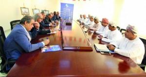 بحث التعاون بين جمعية الصحفيين والاتحادين العربي والدولي