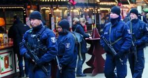 هجوم برلين: السلطات تواجه انتقادات مع استمرار عمليات البحث عن المنفذ