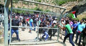 الفلسطينيون يلوحون بـ (الجنايات) و(جنيف) للرد على غطرسة حكومة المستوطنين