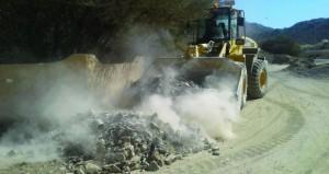 بلدية بهلاء تكثف حملات النظافه وإزالة المشوهات ونقل المخلفات
