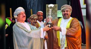 التربية تحتفل بتسليم كأس جلالة السلطان في مسابقة المحافظة على النظافة والصحة في البيئة المدرسية