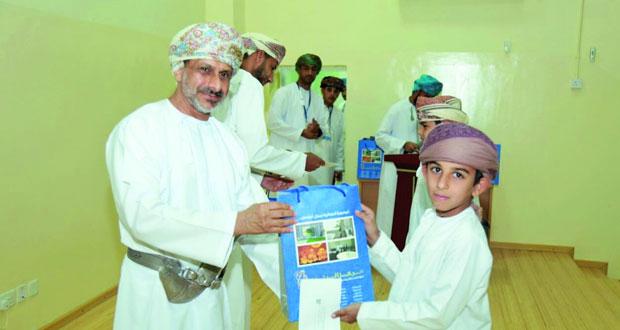 تكريم الفائزين في مسابقة القرآن الكريم ببركة الموز