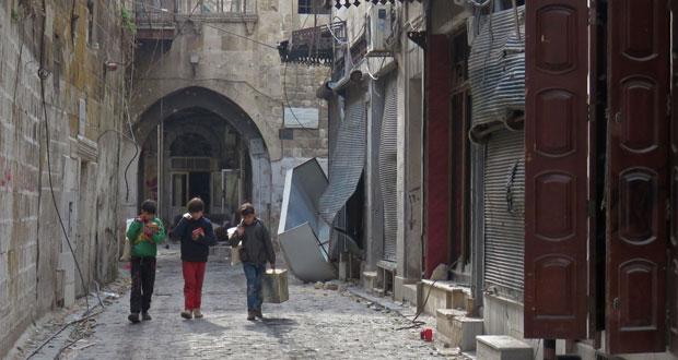 الجيش السوري يصد هجوما لداعش بتدمر .. وروسيا تعلن نجاح فصل الإرهابيين بحلب