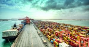 """""""النقل والاتصالات"""": موانئ السلطنة الأقل كلفةً للسفن التجارية العملاقة"""