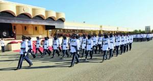 شرطة عمان السلطانية تحتفل بيومها السنوي وتخريج عدد من دورات الضباط المرشحين