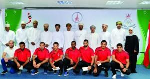 اللجنة الأولمبية العمانية تكرم نجوم منتخبنا الوطني لكرة اليد الشاطئية
