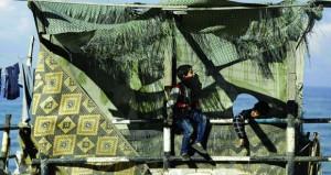 الاحتلال يعتقل عشرات الفلسطينيين في مداهمات واسعة بالضفة