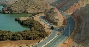 بلدية مسقط تفتتح أجزاء من تحسينات طريق يتي ـ السيفة بمنطقة الخيران